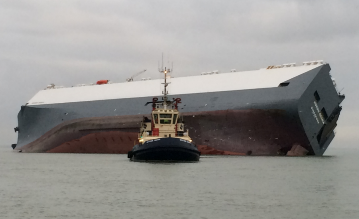 Container ship Hoegh Osaka aground on Brambles Bank
