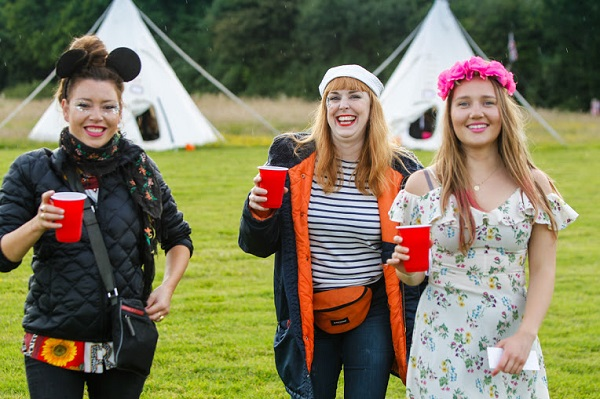 Isle of Wight vintage glamping girls